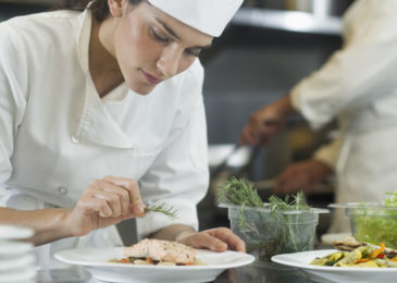 Где научиться готовить и получить сертификат повара: полный список онлайн-школ