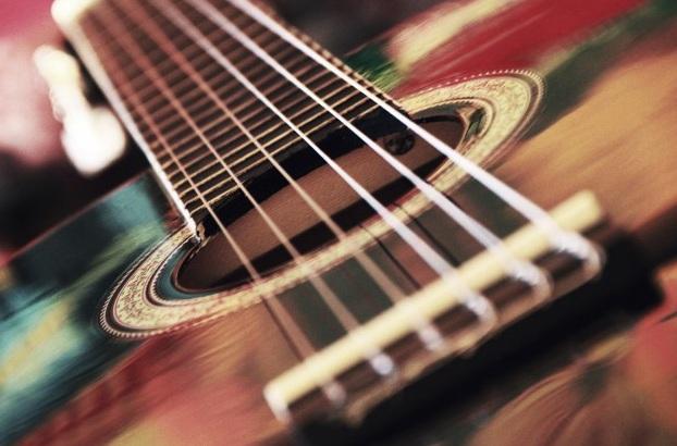 Где дистанционно научиться играть на гитаре с нуля: сайты, блоги, youtube-каналы